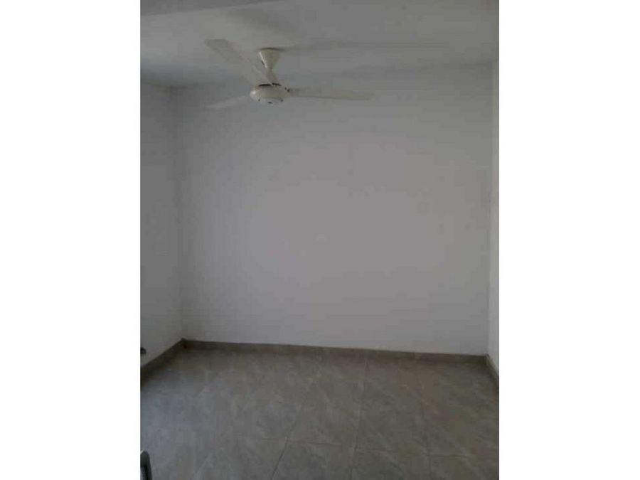 se vende casa de dos pisossector terranova