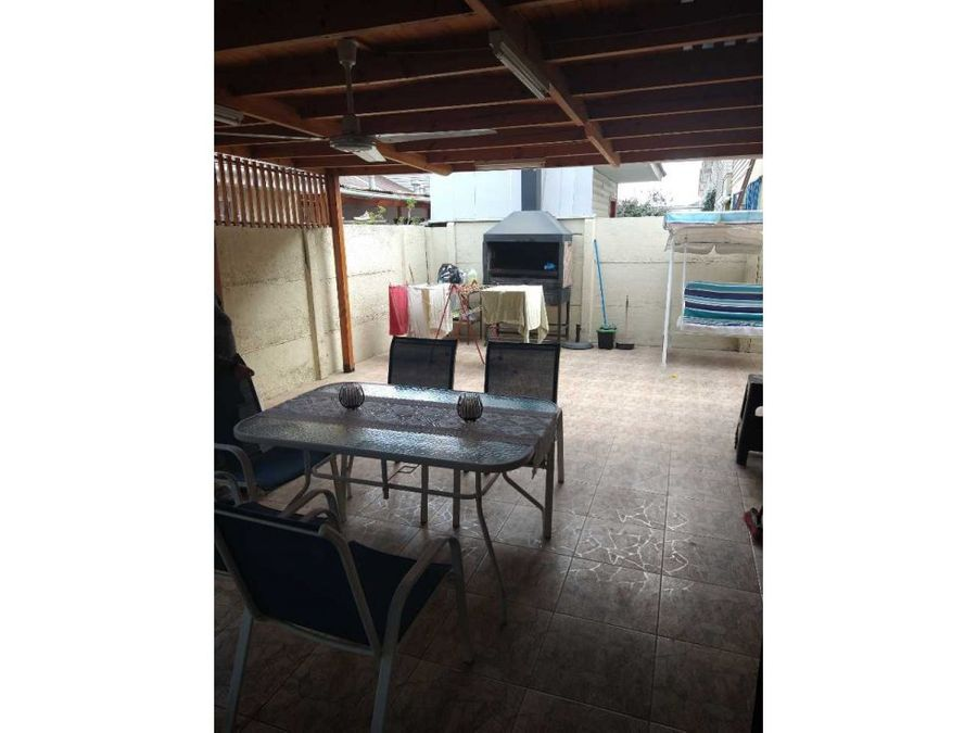 se vende casa semipareada en belloto centro quilpue