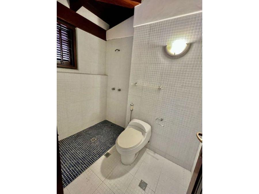 vendo casa 420m2 4h3s6bs7p la lagunita 9897