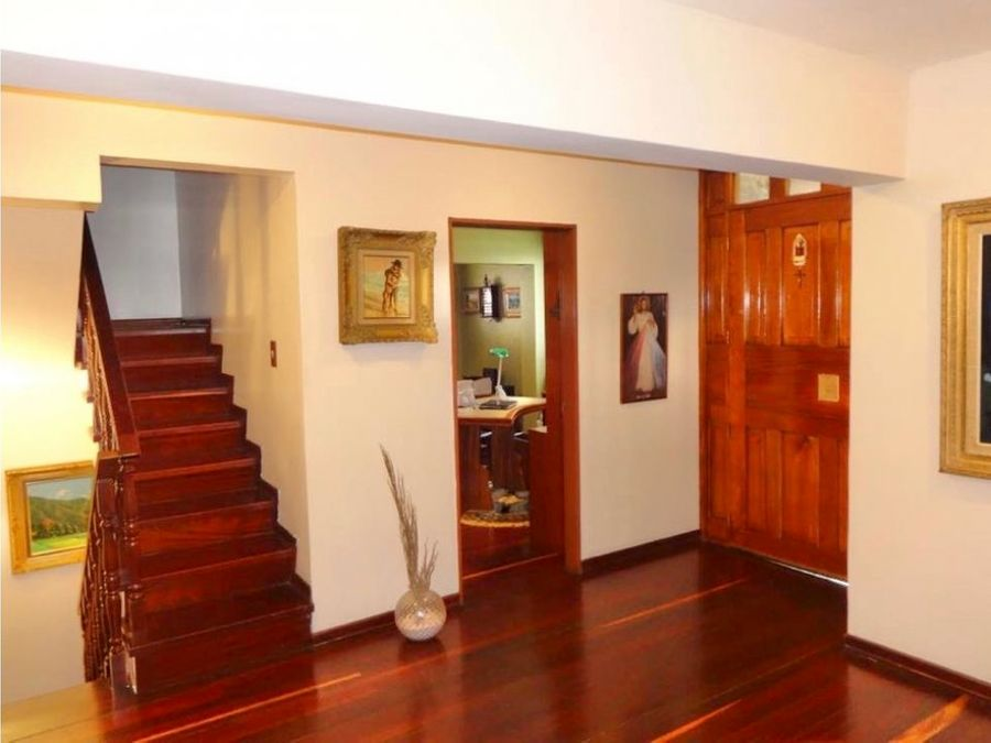 se vende casa 800m2 7h2s7b2s6p la trinidad 3146
