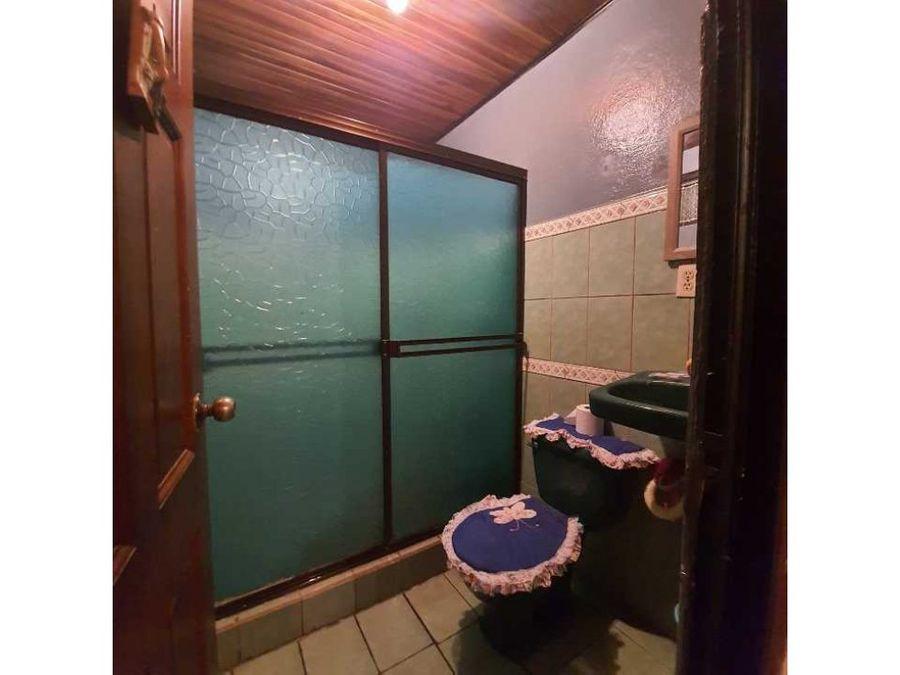 se vende hermosa casa amplia en sarchi de alajuela