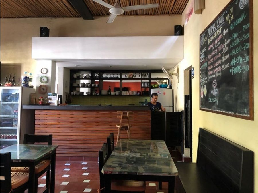 se vende hotel y cafe en el centro historico