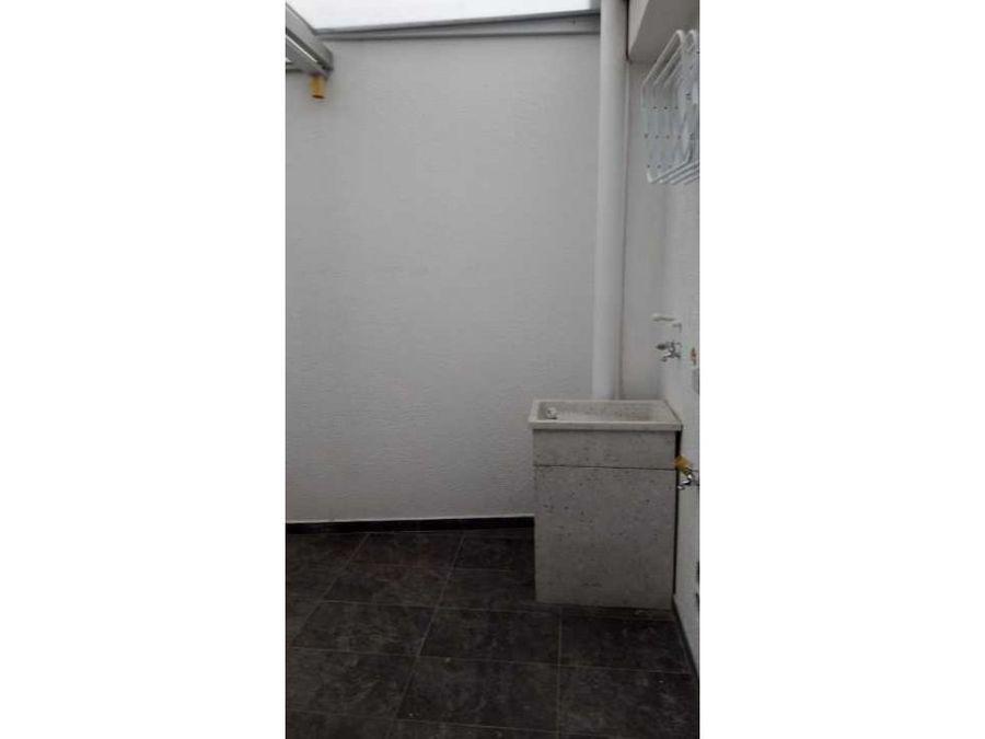 se vende o renta apartaestudio en el barrio chipre