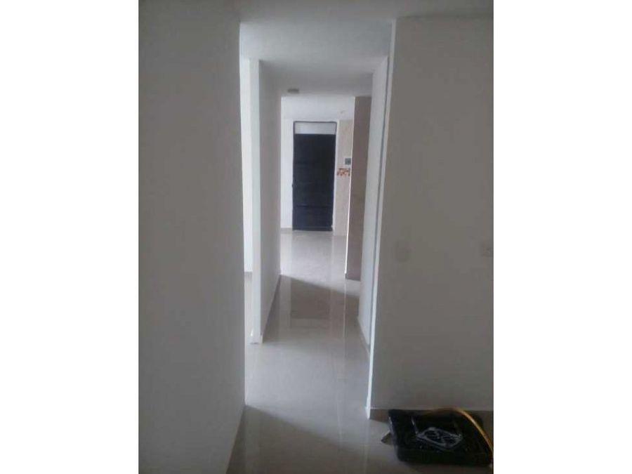 se arrienda apartamento parques de bolivar